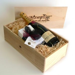 Gift boxes hampers archives wineplus chocolate gift standard negle Gallery