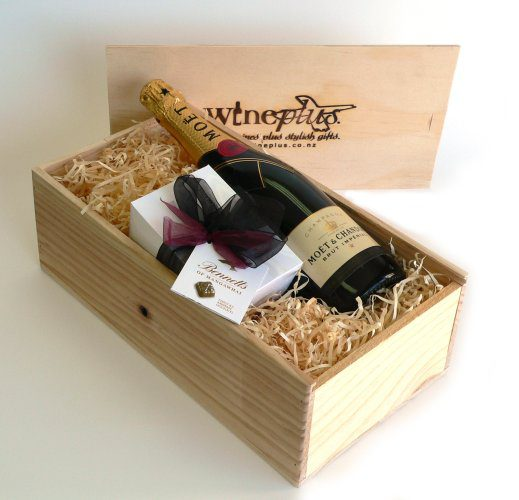 Gift boxes hampers archives wineplus chocolate gift standard negle Image collections